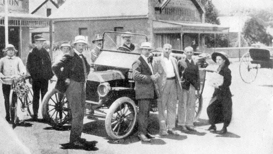 http://www.mkgandhi.org/gphotgallery/1869-1914/images/n.jpg