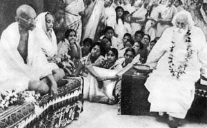 Mahatma Gandhi and Kasturba with Rabindranath Tagore at Shanti Niketan, 1946
