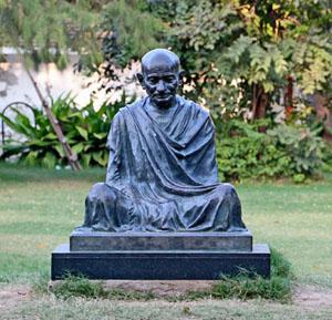 Gandhi-statue-at-Sabarmati-Ashram